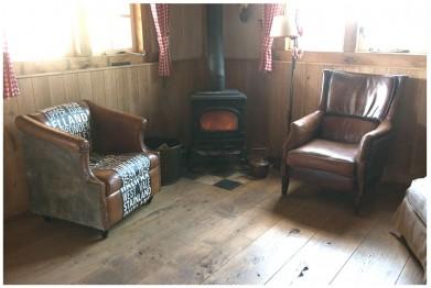 reden oude houten vloer - oude vloer in schuur